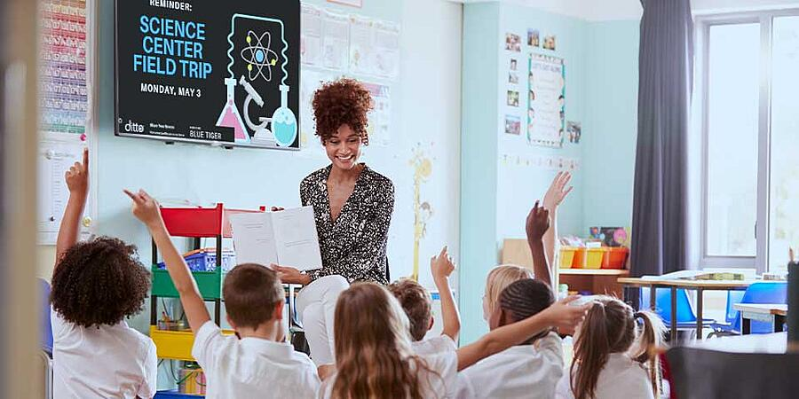 classroom-with-digital-signage